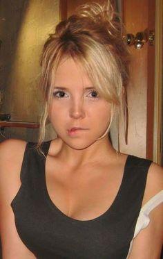 Young blonde teen monroe