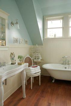 Very pretty blue and white bathroom