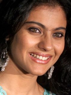 Kajol: Her unibrow may be fashionably questionable but her smile is undoubtedly one of the best in Bollywood! Beautiful Bollywood Actress, Most Beautiful Indian Actress, Beautiful Celebrities, Beautiful Actresses, Celebrity Smiles, Young Female, Her Smile, India Beauty, Indian Actresses