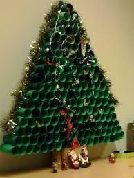 Αποτέλεσμα εικόνας για χριστουγεννιατικα δεντρα απο κομματια ξυλου