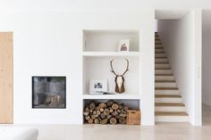 Interior design home: What should you do with the empty corner next to the fireplace?: 6 tips - Danielle Verhelst Interieur & Design, Breda, the netherlands, interior design home, interior design and stylingliving Home Fireplace, Fireplace Design, Fireplaces, Living Tv, Home And Living, Interior Exterior, Interior Architecture, Living Room Inspiration, Interior Inspiration