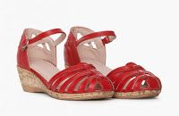 Wedges, Shoes, Fashion, Moda, Zapatos, Shoes Outlet, Fashion Styles, Shoe, Footwear