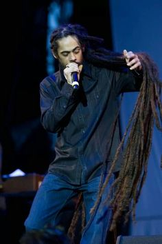 Uploaded by ♥musiclife♥. Find images and videos about damian marley and jr gong on We Heart It - the app to get lost in what you love. Damian Marley, Bob Marley, Dreadlocks Men, Locs, Marley Brothers, Afro, Marley Family, Long Dreads, Dreads Girl