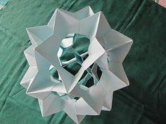 dins s'hi poden encolar les flors que es vulgui .by Bogdan
