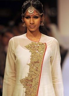 ... Indian Suits, Indian Attire, Indian Dresses, India Fashion, Girl Fashion, Fashion Outfits, Fashion Design, Kurta Patterns, Indian Couture