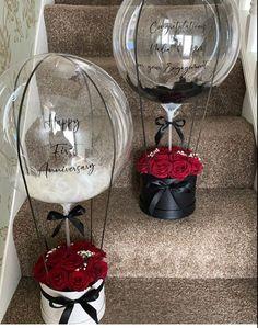 Valentine Baskets, Valentines Gift Box, Valentines Balloons, Flower Box Gift, Flower Boxes, Balloon Flowers, Balloon Bouquet, Balloon Gift, Balloon Garland