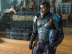 New official stills from Titans put Dick Grayson back in his Robin costume in a face-to-face confrontation against Deathstroke. Comic Book Publishers, Comic Books Art, Book Art, Deathstroke The Terminator, Deathstroke Cosplay, Esai Morales, Dc Comics, Robin Costume, Batman Suit