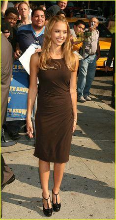 Jessica Alba @ Letterman | jessica alba letterman 02 - Photo
