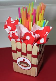 Cute, super fast, can modify to any party theme - I'm loving these holders. Simple is my friend.  Life in the Craft Lane: Sticky Sticks