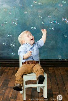 Kinderfoto mit Seifenblasen