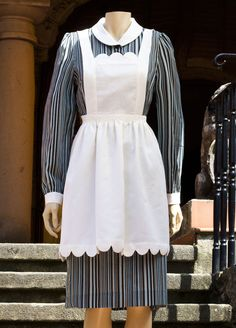 Maid uniform in 100% cotton available in 3 different Liberty prints. Los  Encajeros Maid 49654e436de