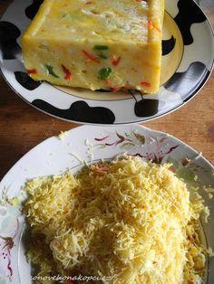 sýr bez syřidla 1 kg tvarohu,1 l mléka, 1 lžičku jedlé sody, 1 lžíci másla – a pak buď kmín, sterilovanou zeleninu, čerstvou zeleninu, hrášek, papriku, vejce na tvrdo …. jak hrdlo ráčí