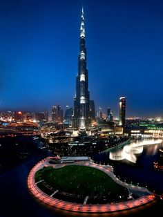 Night view of Khalifa tower, Dubai
