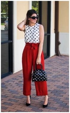 14 Palazzo Pants Outfit For Work - The Finest Feed - Work Outfits Women Casual Work Outfit Summer, Work Casual, Outfit Work, Work Attire, Summer Work Dresses, Casual Office, Office Chic, Spring Dresses, Business Casual