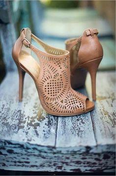 Nude cutout shoe-boots