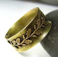 Brass Laurel Spinner Ring.