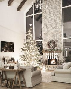 36 christmas home decor ideas for your beautiful home - Simple Christmas Home Decorating Ideas