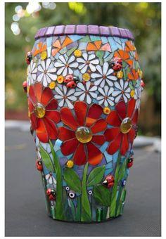 Mosaic Planters, Mosaic Garden Art, Mosaic Tile Art, Mosaic Vase, Mosaic Flower Pots, Mosaic Artwork, Mosaic Crafts, Mosaic Projects, Glass Planter