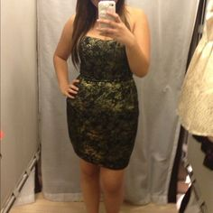 Forever 21 strapless dress Gorgeous dress! Perfect for the holidays and New Year's Eve parties! Make me an offer! I also do bundles and PayPal! Forever 21 Dresses Strapless