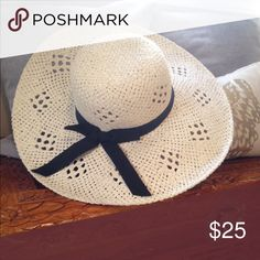 Sun Hat Brand new Extra large brim for floppy panache • Neutral hues give you styling options • Contrast band adds drama Kick back and enjoy the season in the Women's Oversized Floppy Straw Hat in Tan by Merona. Turn your back on your worries and say hello to sassy style in this dramatic floppy hat. Size: Osfm. Gender: Female. Age Group: Adult. Merona Accessories Hats
