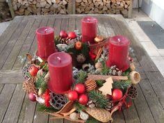 Christmas Advent Wreath, Christmas Time, Christmas Crafts, Christmas Table Centerpieces, Outdoor Christmas Decorations, Wood Crafts, Diy And Crafts, All Holidays, Christmas Inspiration