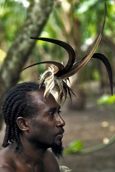 Portrait of a Small Nambas tribesman with feathers in the hair, Malekula island, Gortiengser, Vanuatu Melanesian People, Eric Lafforgue, Indigenous Tribes, Photo Portrait, Aboriginal People, Beauty Around The World, Modern Pictures, African Culture, Vanuatu