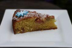 Den er enkel, men den er god.Her kommer MULIGENS årets siste rabarbraoppskrift...Saftig kake med ... Tasty, Baking, Desserts, Tailgate Desserts, Deserts, Bakken, Postres, Bread, Backen