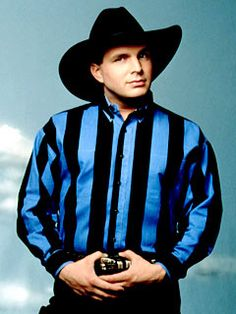Garth Brooks-saw him twice in Phila. Best concerts i ever attended. One with Martina and one with Matraca Berg.