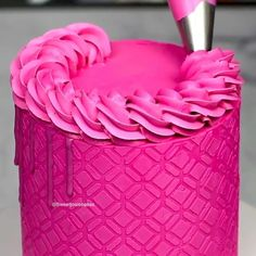 """Daily Baking Ideas 🍰 on Instagram: """"PINK SENSATION!!! 🎂😍❤️🔥 Thanks @sweetjosiebakes  ➖➖➖➖➖➖➖➖➖ Follow👉 @cakesdaily.gram Follow👉 @cakesdaily.gram Follow👉…"""" Baking Measurement Conversion, Piping Techniques, Cake Decorating Videos, Cake Pans, Baking Pans, Baking Ideas, Baking Ingredients, Icing, Simple"""
