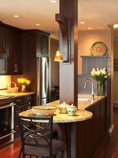 Kitchen Chandeliers, Pendants and Under-Cabinet Lighting – Kitchen Chandelier İdeas. Light Kitchen Cabinets, Kitchen Island Lighting, Kitchen Redo, New Kitchen, Kitchen Design, Kitchen Tips, Nancy Kitchen, Kitchen Small, Dark Cabinets