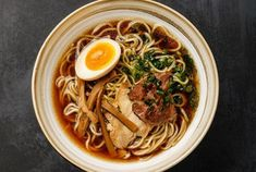Ramen asian noodle in broth with meat and Ajitama pickled egg in bowl on dark background Food N, Good Food, Food And Drink, Asian Recipes, Healthy Recipes, Ethnic Recipes, Chefs, Asian Noodles, Girls Anime