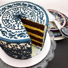 Thanks for all the love on my talavera cake! I can't help but find inspiration in the world around me, especially in the colors, patterns, and textures along my travels. Have a peek inside 👀 ... Inside the cake: melted Mexican chocolate with ginger turmeric buttercream
