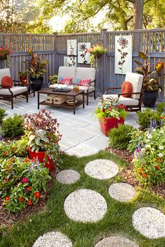 Don't settle for a boring patio - check out our 6 design tips to make a beautiful patio space for entertaining #Patio #Backyard #PatioIdeasOnABudget #PatioGarden #DesignIdeas #GardenGateMagazine