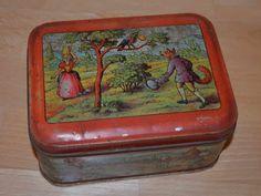 Lithographed biscuit box of Jean de la Fontaine Fables images.