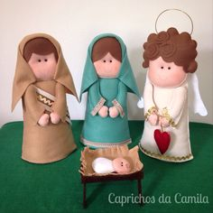 Presépio em feltro: José, Maria, anjo e o bebê Jesus.