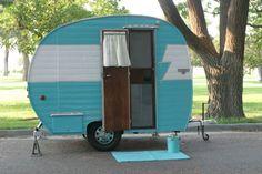 Vintage 1955 hanson love bug camper travel trailer glamper canned ham retro lqqk Tiny Trailers, Vintage Campers Trailers, Retro Campers, Vintage Caravans, Camper Trailers, Old Campers, Buy A Boat, Glamping, Recreational Vehicles