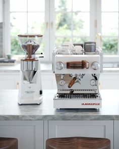 This holiday season there's no better way to showcase your love for home espresso than with a new machine. Join an incredible community of… Espresso Bar, Espresso At Home, Coffee Bar Home, Coffee Corner, Coffee Love, Italian Espresso Machine, Home Espresso Machine, Coffee Trailer, Coffee Shop Design