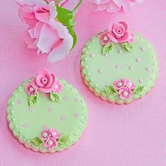 Green and pink icing make these cookies truly eye catching, almost too good to eat at any high tea.  #icedbiscuits #vintagecookies