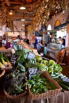 The Goods Shed, farm shop in Canterbury Farmers Market Display, Market Displays, Produce Market, Farmers Market Recipes, Farm Cafe, Vegetable Shop, Farm Business, Farm Store, Fruit Shop