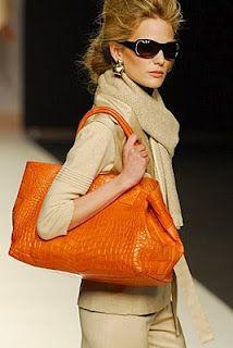 ♥ orange and beige.