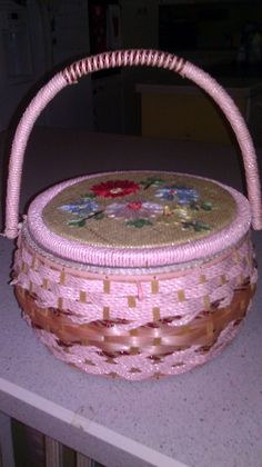 1950s Vintage Sewing Basket Wicker Woven Pink by Jillsjewelsfl, $16.00