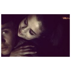 Justin Bieber e Selena Gomez ❤ liked on Polyvore featuring justin bieber and selena
