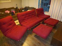 Sofá Cama Futon + 2 Poltronas + 2 Banquetas Cama Futon, Wood Sofa, Floor Chair, Couch, Flooring, Furniture, Home Decor, Sleeper Couch, Wing Chairs