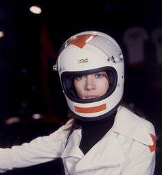 Françoise Hardy, 1960s Joe Hardy, Françoise Hardy, Retro Helmet, Beauty Portrait, French Actress, Movie Photo, Rare Photos, Vintage Beauty, Singer