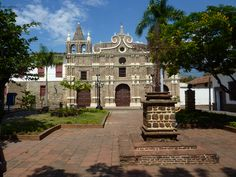 Take a break from Medellín and enjoy a day trip to Santa Fe de Antioquia and discover a famous old town with private transportation and a knowledgeable guide. By Plane, Day Trip, Santa Fe, Old Town, Hiking, Around The Worlds, Mansions, Architecture, House Styles