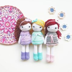 Wow! Miss Autumn, the doll on the right, is leaving very fast. Thank you dear Denata for your order. She can't wait to meet you ☺