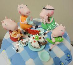 Etelvinne's Cakes: BOLO DA FAMILIA PEPPA PIG