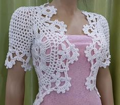Bolero step-by-step to weave in any dimension straightforward and really elegant. Would you wish to put on a crochet bolero? Made out of a portray, this crochet work is magnificent andIt is a website for handmade creations,with free patterns for cro Crochet Bolero Pattern, Crochet Jacket, Crochet Cardigan, Crochet Shawl, Crochet Patterns, Crochet Shrugs, Crochet Sweaters, Sewing Patterns, Crochet Vintage