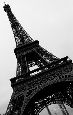 """The Trip Eiffel is genuinely a sign of Paris. It is the most recognizable feature of the city and, in reality, the world. Located in the arrondissement, the Eiffel Tower was a marvel of """"modern-day"""" engineering. Black And White Picture Wall, Black And White Pictures, Paris Wallpaper, Black Wallpaper, Eiffel Tower Photography, Beautiful Paris, Paris Pictures, Applis Photo, Black Aesthetic Wallpaper"""