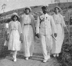 Tsar Nikolai with daughters Anastasia, Tatiana and Olga